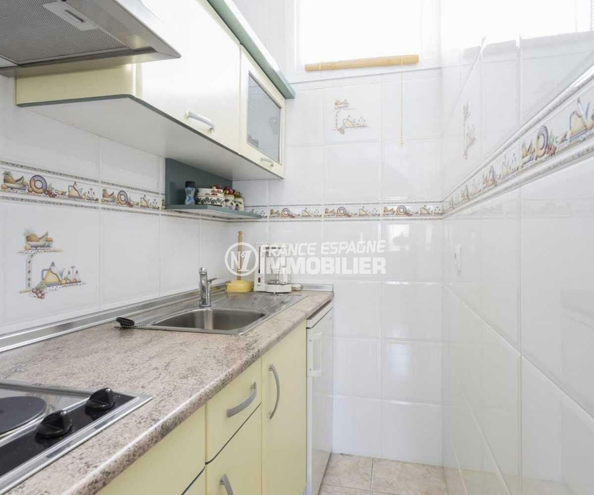 maison a vendre espagne costa brava, ref.3832, aperçu cuisine de l'appartement indépendant