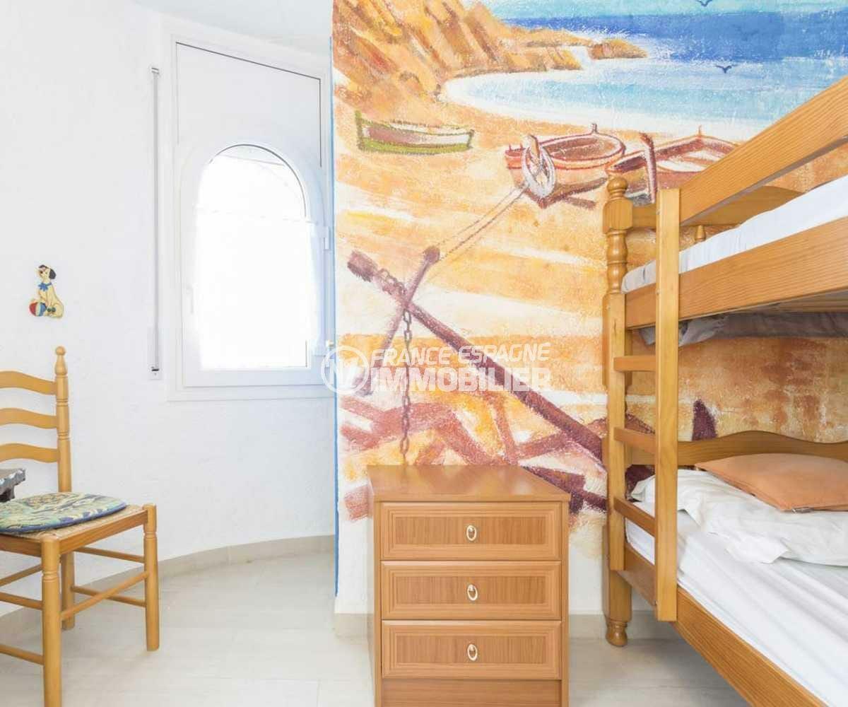 la costa brava: villa ref.3832, chambre de l'appartement indépendant avec lits superposés