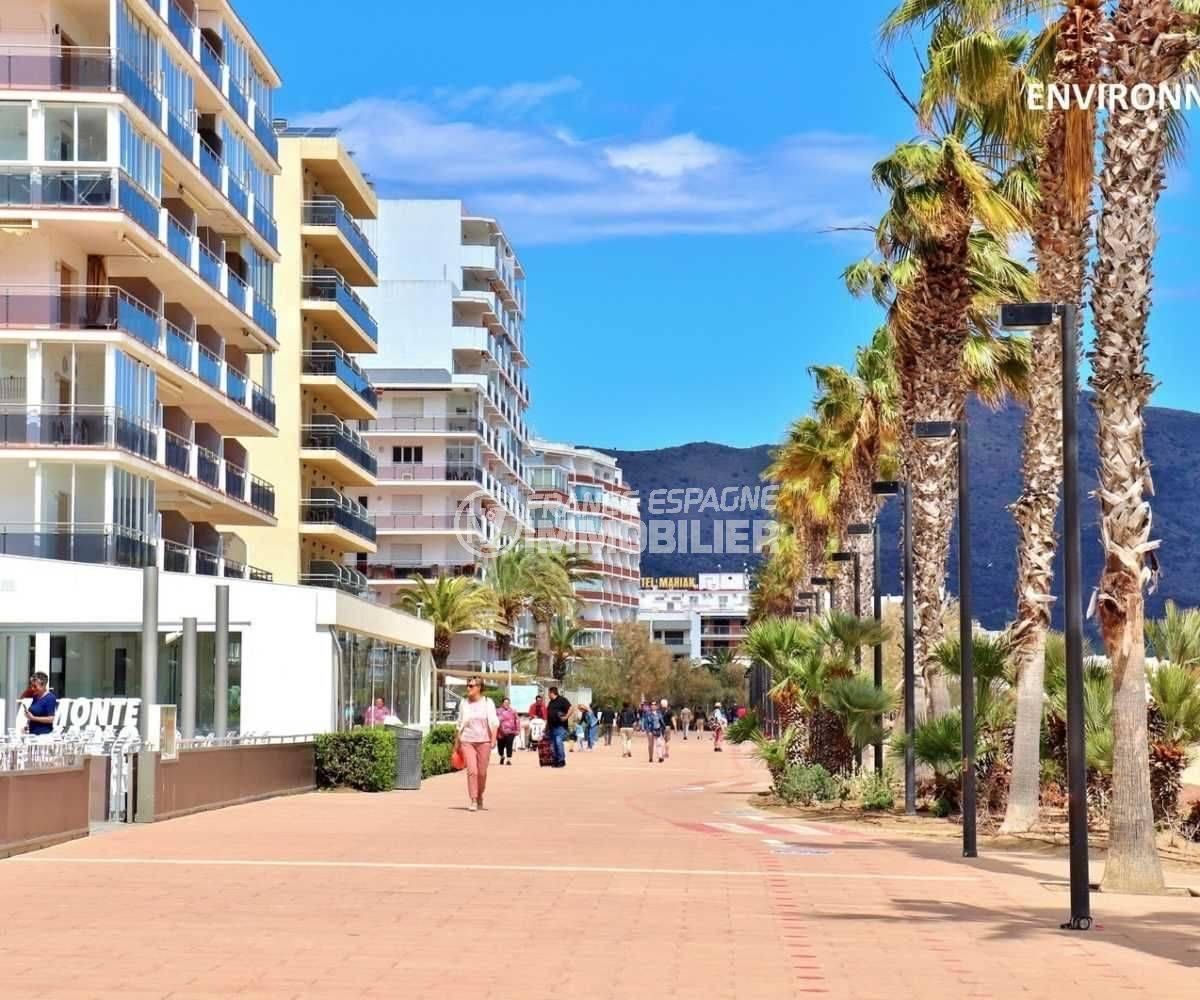 rosas en espagne: studio ref.3814, promenade piétonne près de la plage et commerces aux  environs