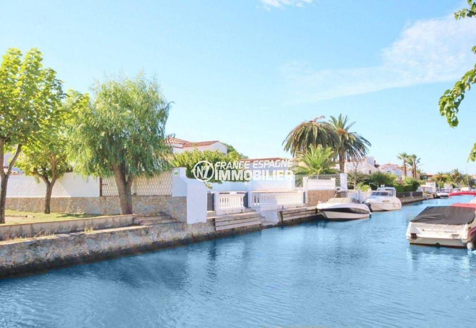 acheter maison espagne costa brava, ref.3827, vue sur le canal près de la villa
