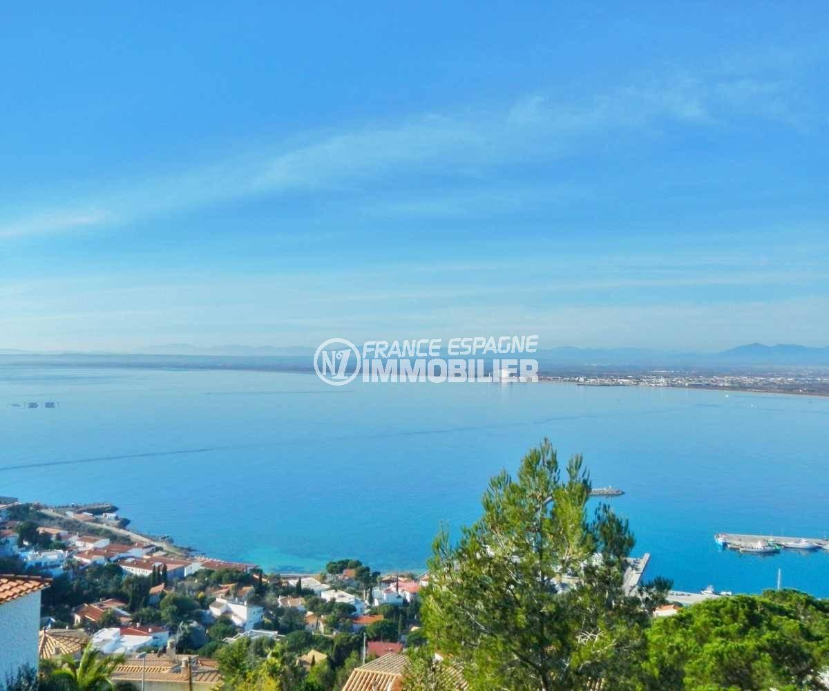 immobilier roses espagne: ref.3821, vue sur la mer et la côte depuis le terrain