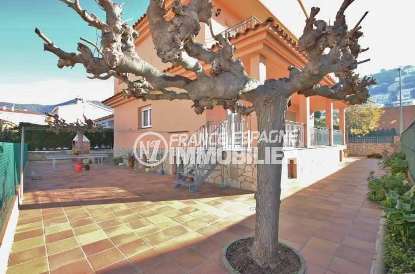 maison a vendre rosas, ref.3840, proche centre-ville, grand garage, possibilité piscine