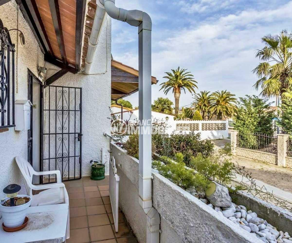 maison costa brava, ref.3831, façade et aperçu des abords
