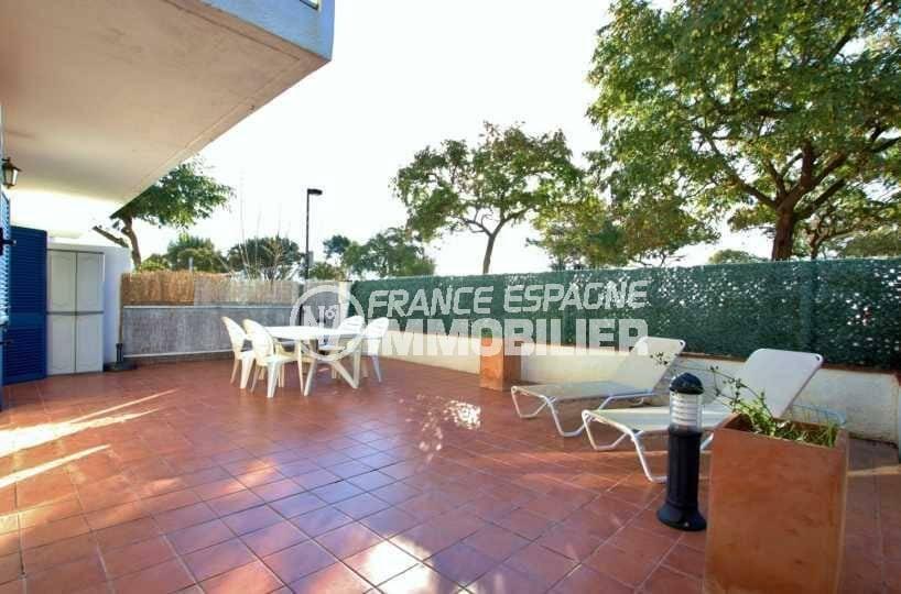 appartement a vendre costa brava, ref.3842, grande terrasse, plage et commerces à 20 m