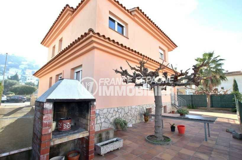 immo roses: villa ref.3840, villa de 304 m² construit sur terrain de 375 m²