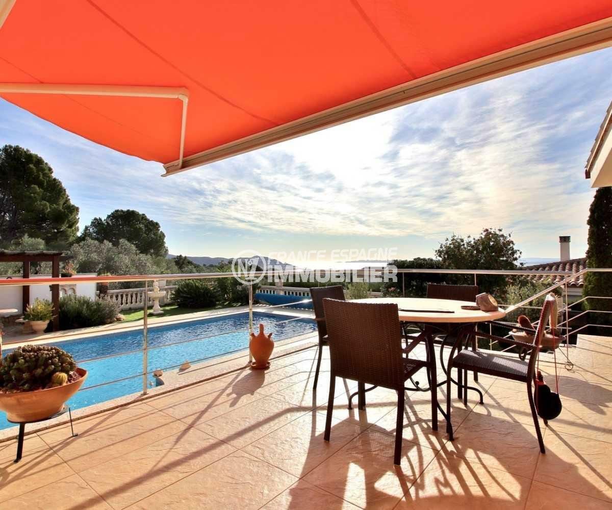 maison a vendre espagne, ref.3847, aperçu depuis la terrasse, piscine avec vue sur la mer