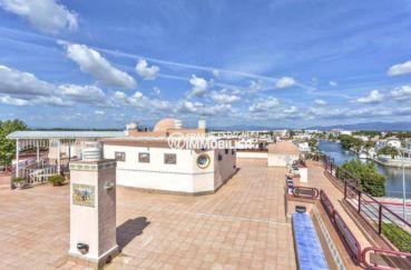 immobilier costa brava: appartement ref.3829, avec terrasse solrariim au dernier étage