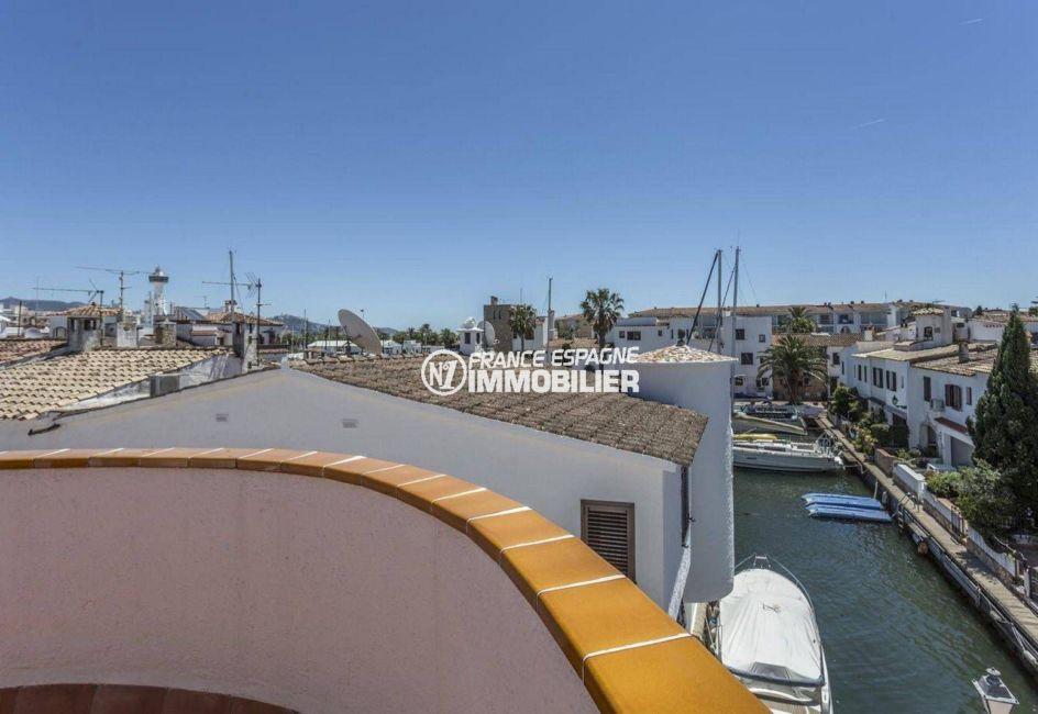 la costa brava: villa ref.3830, autre canal et amarres depuis une des terrasse à l'étage