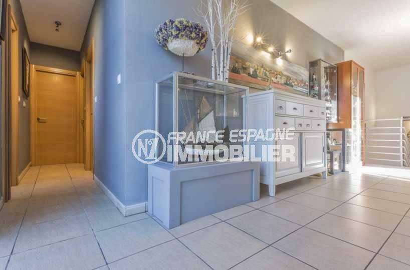 immobilier costa brava: villa ref.3835, grands espaces au rez-de-chaussée