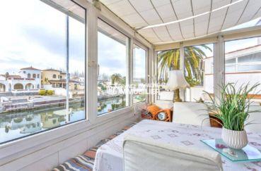 immobilier ampuriabrava: villa ref.3831, terrasse véranda avec magnifique vue canal