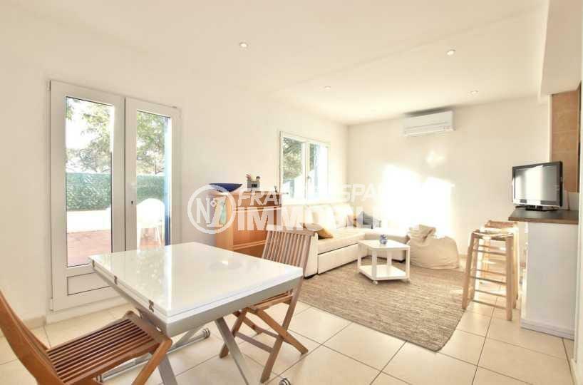appartements a vendre a rosas, ref.3842, salon / séjour très lumineux