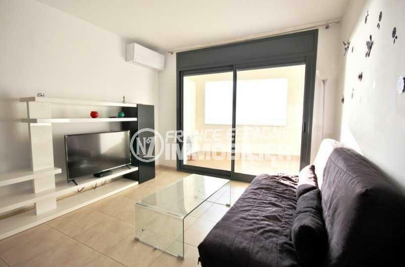 immobilier empuria brava: appartement ref.3843, séjour lumineux avec accès terrasse