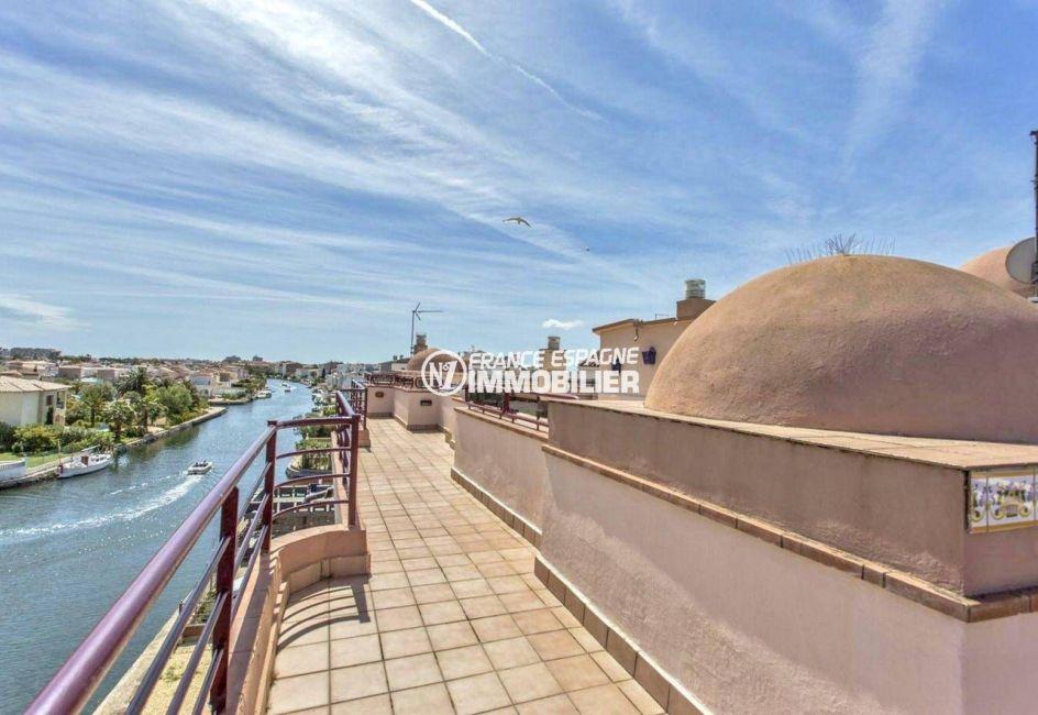immobilier costa brava espagne: appartement ref.3829, superbe vue plongeante sur le canal depuis la terrasse