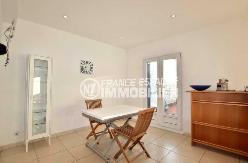 immo roses espagne: appartement ref.3842, salon / séjour avec accès à la terrasse