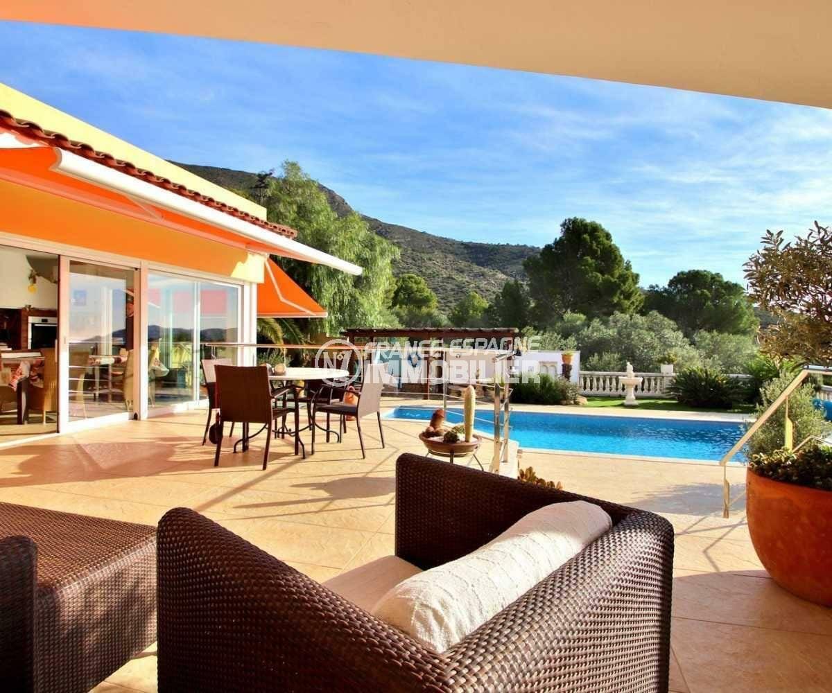 acheter maison costa brava, ref.3847, terrasse avec accès à la véranda, cuisine d'été