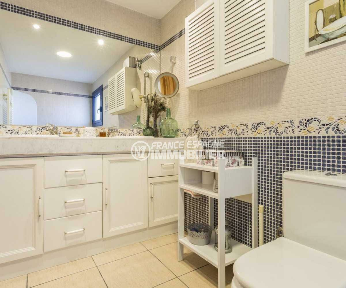 maison a vendre espagne, ref.3835, salle de bains avec toilettes dans la suite parentale