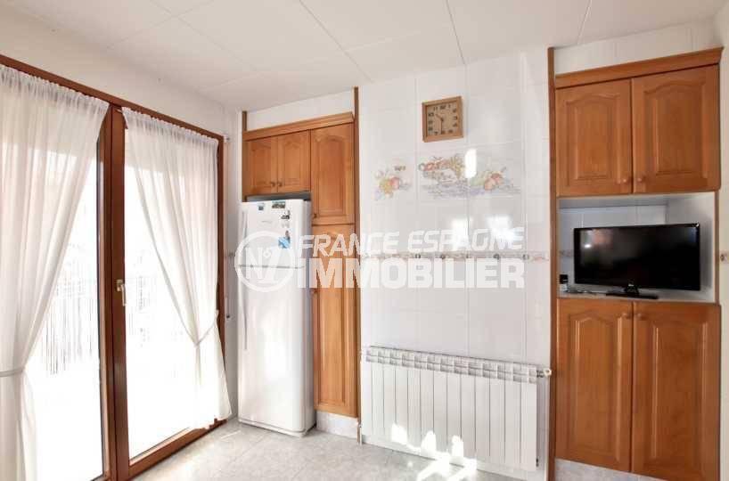 roses espagne: villa ref.3840, cuisine indépendante avec accès à la terrasse