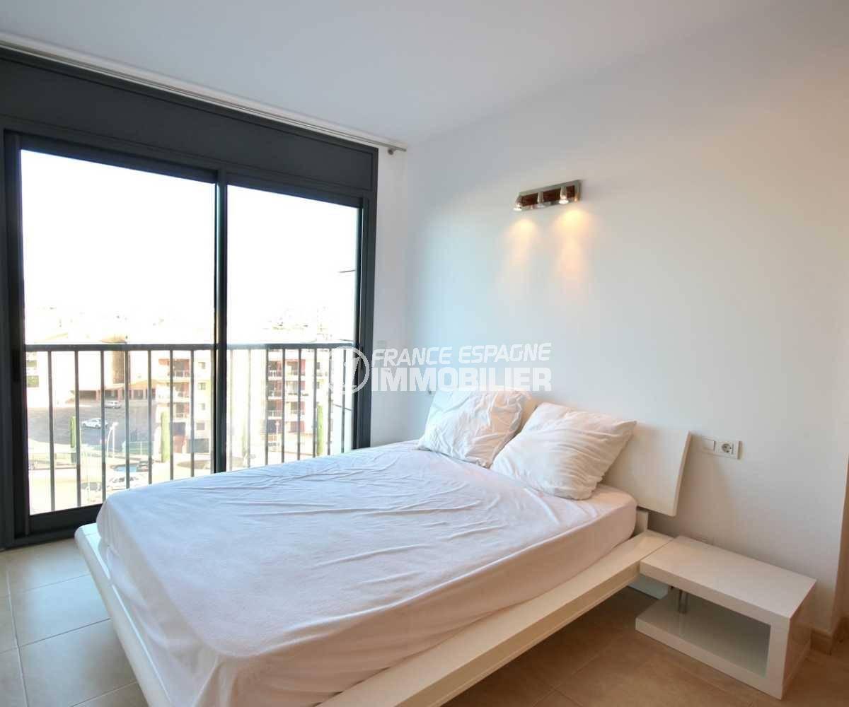 acheter appartement empuriabrava, ref.3843, premire chambre avec balcon superbe vue