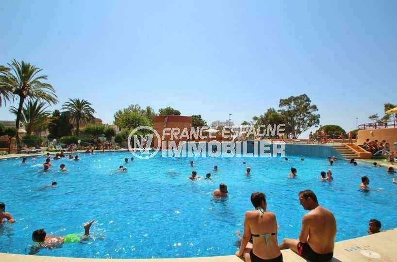 agence immobilière costa brava: studio ref.3845, vue plongeante sur la piscine