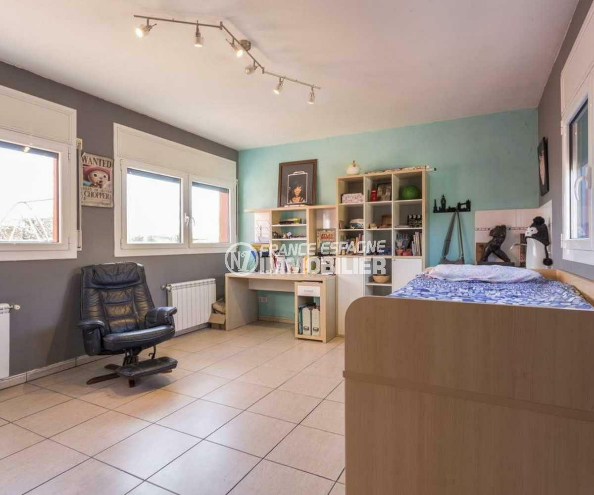agence immobiliere empuriabrava espagne: villa ref.3835, seconde chambre à l'étage