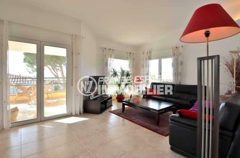 vente immobilier costa brava: villa ref.3847, salon avec accès à la terrasse