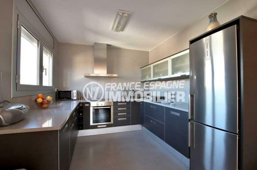 vente immobilière rosas: villa ref.3840, cuisine américaine équipée ouverte sur le salon