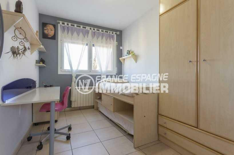 agence immobiliere francaise empuriabrava: villa ref.3835, troisième chambre à l'étage