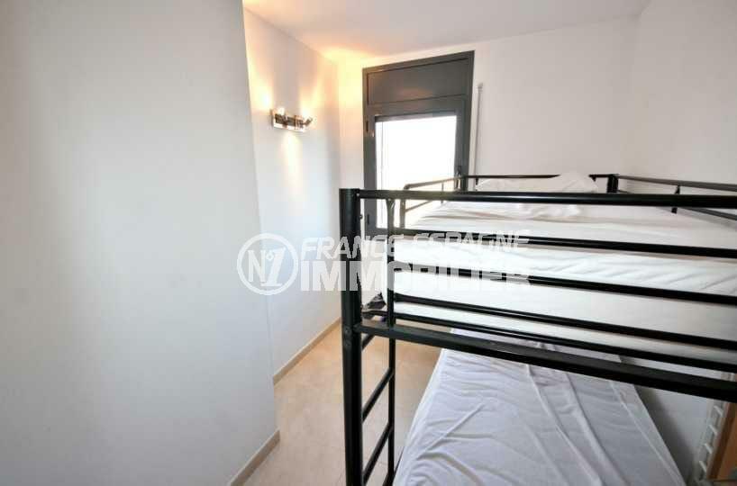 appartement a empuriabrava, ref.3843, troisième chambre avec lits superposés