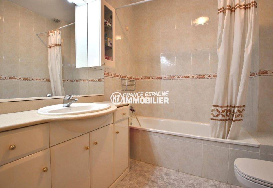 ventes immobilieres rosas espagne: villa ref.3841, salle de bains de la suite parentale, avec toilettes