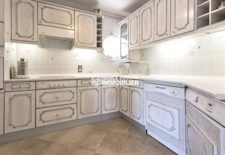 agence immobiliere empuriabrava espagne: appartement ref.3829, cuisine équipée indépendante