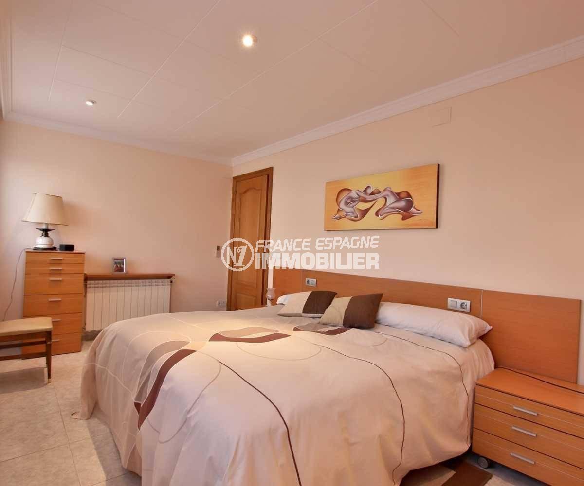 ventes immobilieres rosas espagne: villa ref.3840, première chambre avec un lit double