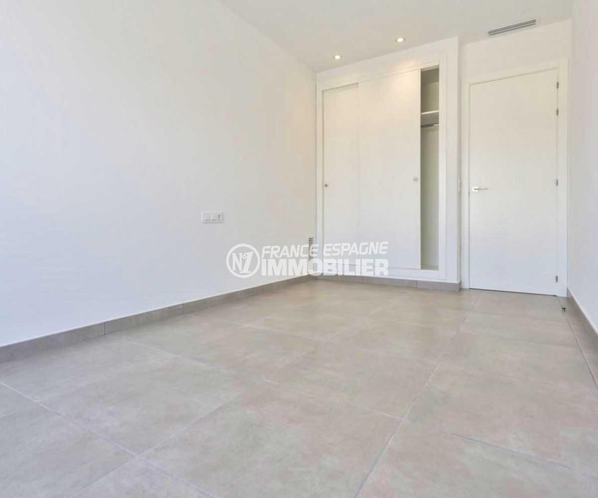 agence empuriabrava: villa ref.3825, troisième chambre avec placards intégrés