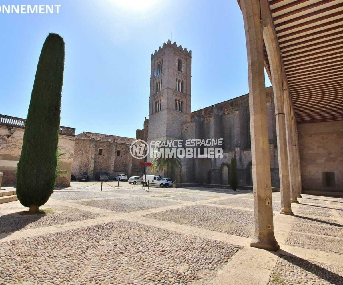 agence immobilière costa brava: villa ref.3835, place du village historique à proximité