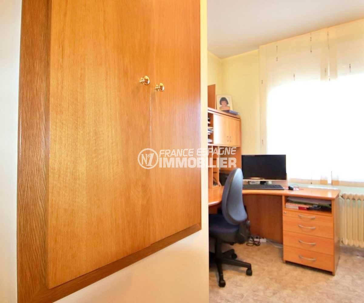 agence rosas: villa ref.3841, aperçu quatrième chambre avec bureau
