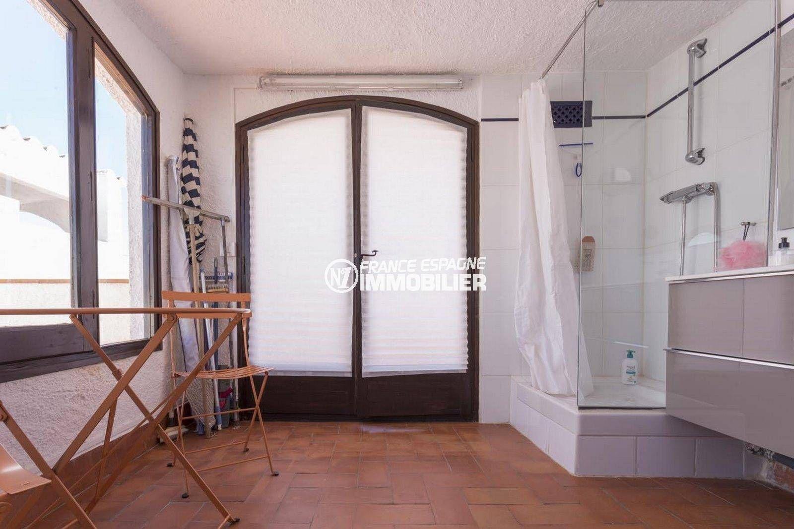 maison costa brava, ref.3830, cabine douche de la seconde salle d'eau
