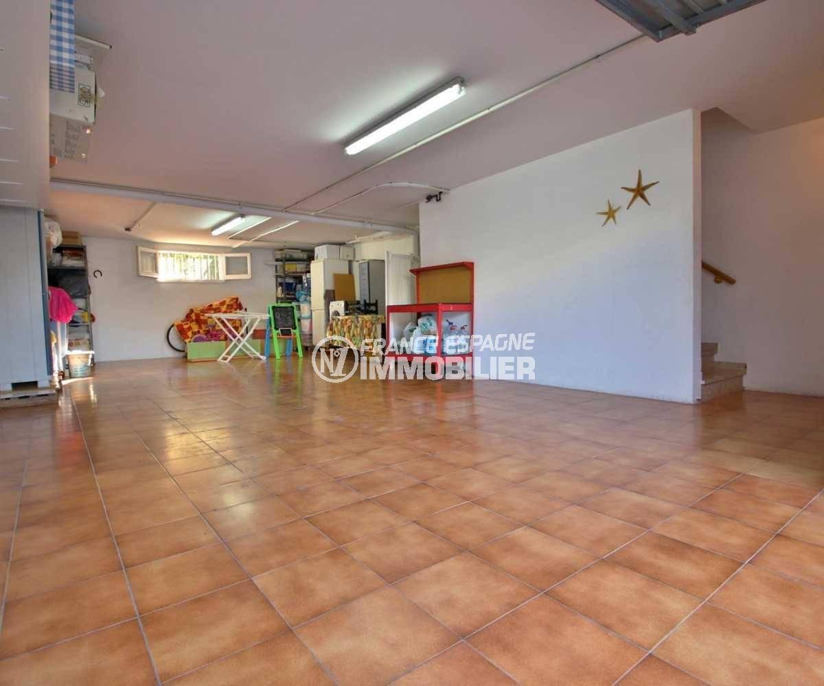 immocenter roses: villa ref.3841, garage 66 m², avec accès maison par l'intérieur