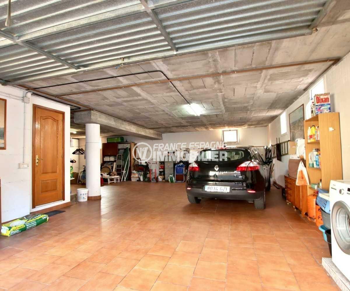 immo costa brava: villa ref.3840, garage avec accès intérieur maison