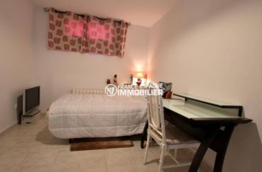 achat villa costa brava, ref.3847, quatrième chambre avec lit double au sous-sol