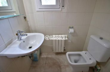 costa brava maison a vendre, ref.3847, aperçu des toilettes indépendants