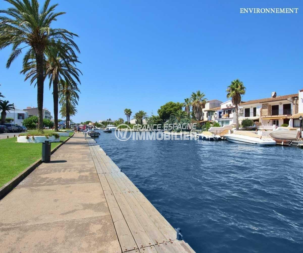 maison a vendre espagne catalogne, ref.3825, au bord du canal avec amarre 12,5 m, construction moderne, piscine