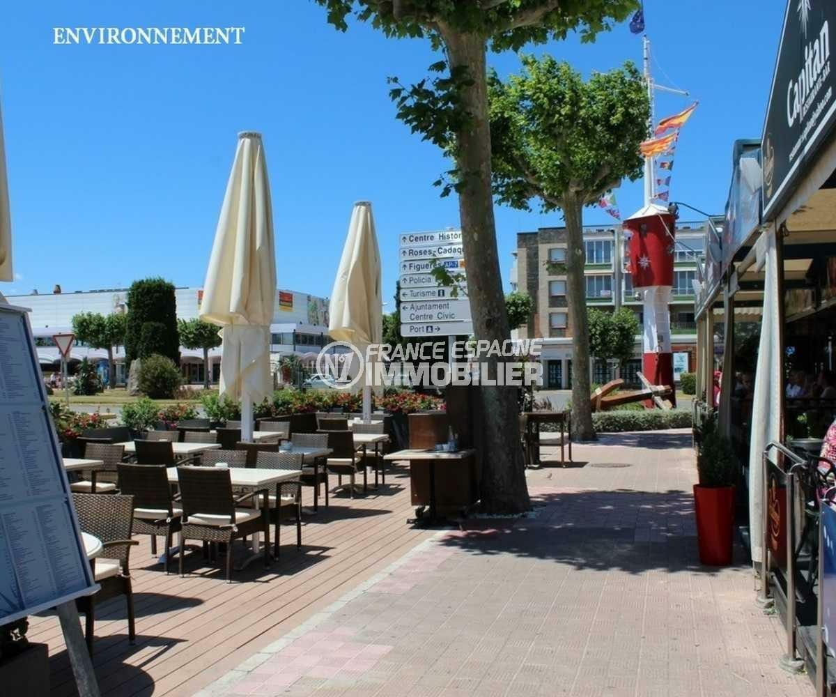 costabrava immo: villa ref.3825, proche plage et commerces, vue canal, piscine et amarre 12,5 m