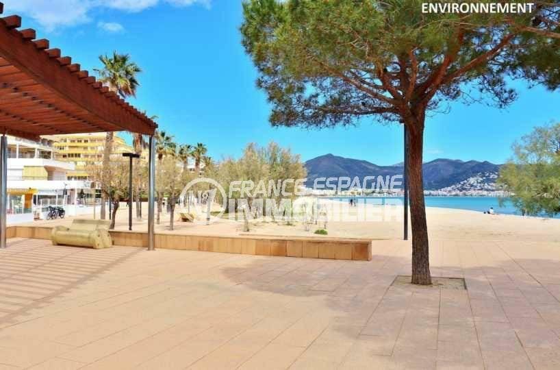 appartement roses, ref.3845, promenade près de la plage environnante
