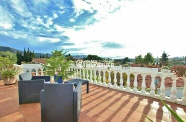 immo roses: villa de 297 m² vue mer et montagnes avec piscine et appartement indépendant