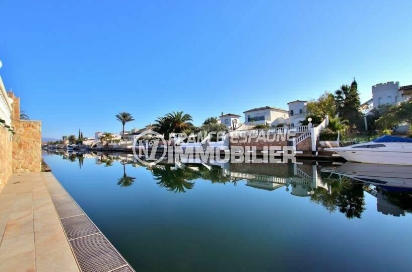 maison a vendre empuriabrava, 2 terrasses vue canal avec amarre 12,5 m