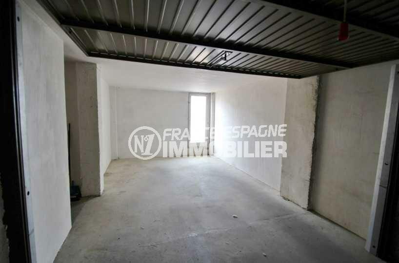 immo empuriabrava: garage privé ref.2768, en sous-sol avec débarras 28 m², proche plage et commerces