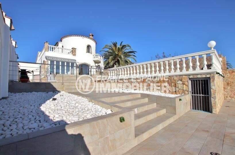 immo empuriabrava: villa 223 m² construit sur terrain de 559 m², accès canal