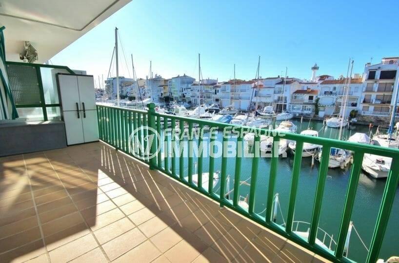 immobilier ampuriabrava: appartement 70 m² proche plage, vue marina | ref.3857