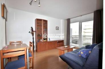 immo roses: appartement ref.3862, grand séjour accès terrasse 11 m²