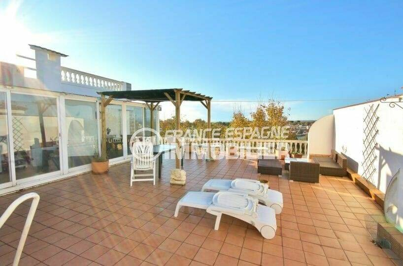 vente appartement empuriabrava, atico avec terrasse solarium vue mer, garage et proche plage