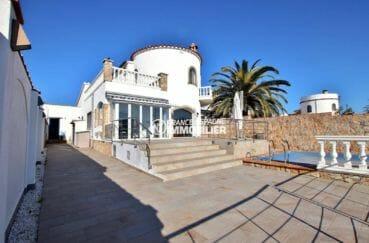 immobilier ampuriabrava: villa 223 m² avec piscine sur terrain de 559 m² | ref.3854